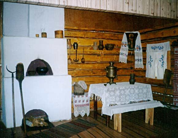 Фотография внутреннего устройства традиционного жилища народов твоего края