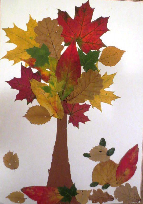 Лиса из сухих листьев