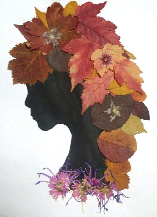Портрет осени из листьев