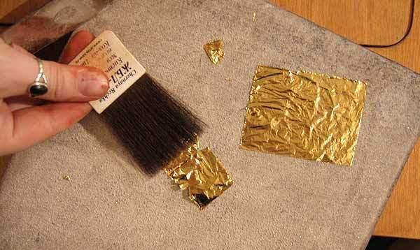 Дымковская игрушка. Сусальное золото