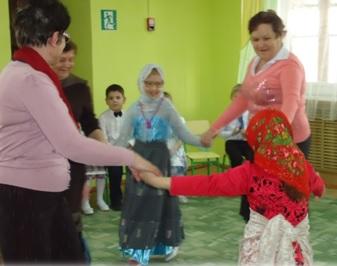 Сценарий утренника к 8 марта Сюрприз для мамы в детском саду