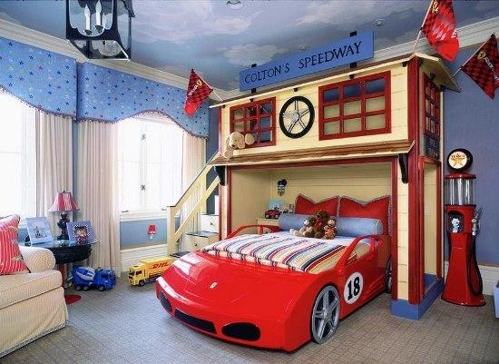 Дизайн детской комнаты для мальчика кроватью - машинкой