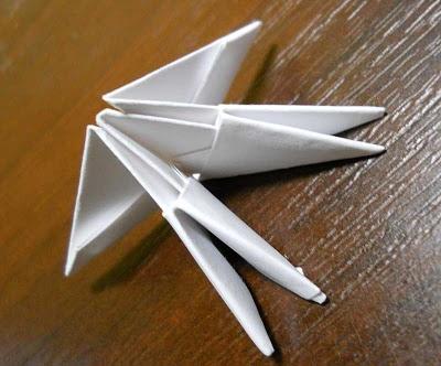 Модульное оригами лебедь из