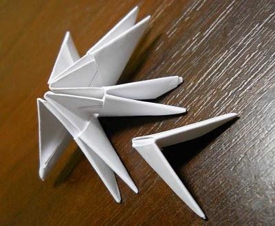 Оригами лебедь из треугольных модулей - схема сборки и мастер-класс.