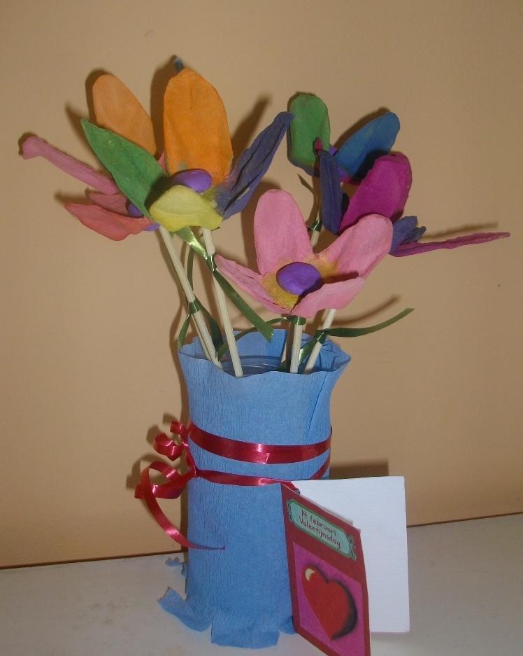 Поделки цветы из упаковки от яиц